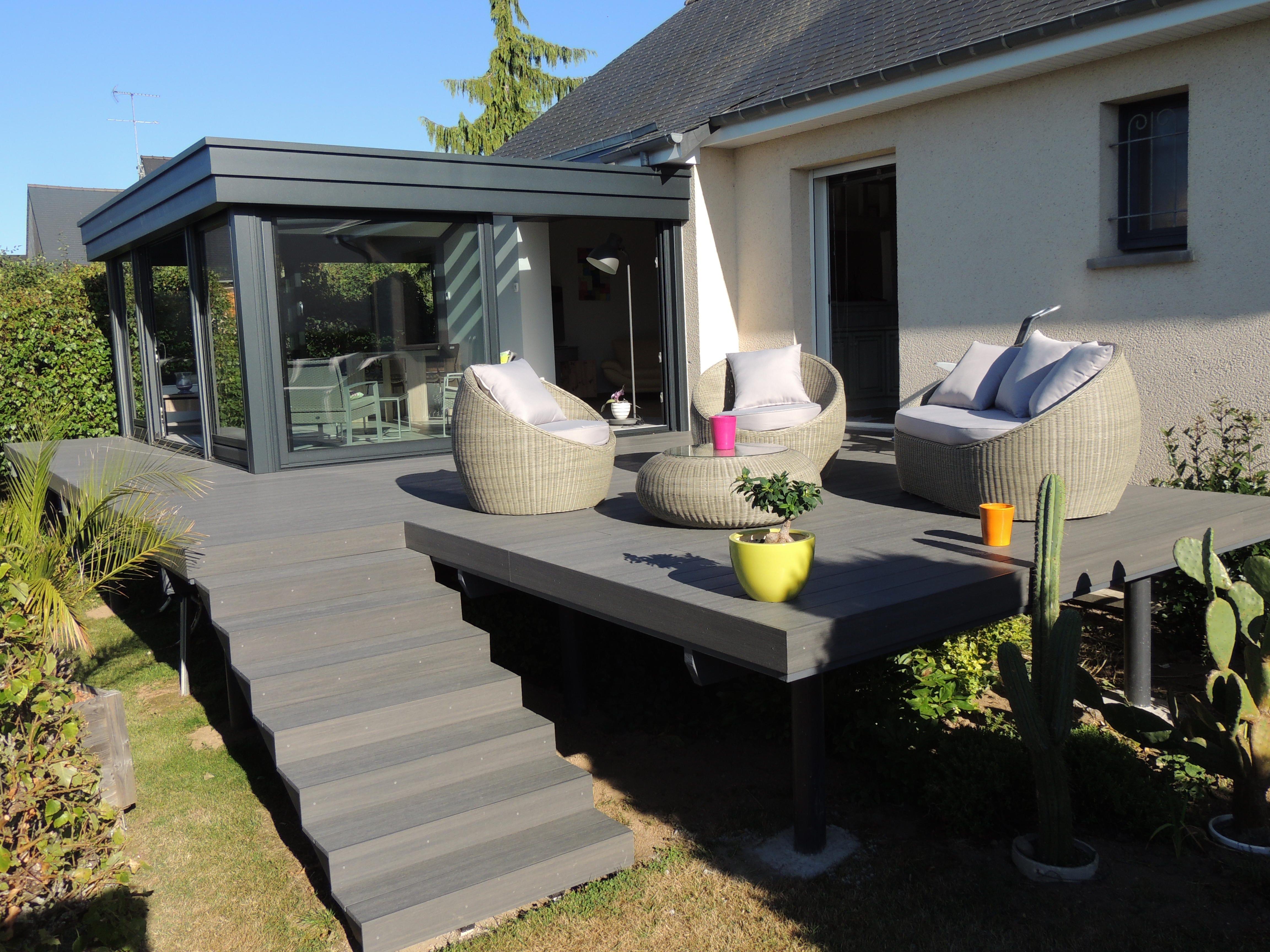 image terrasse bois composite teinte anthracite